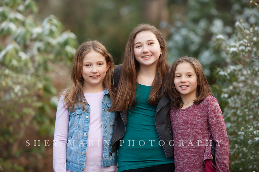family of three sisters in a Washington DC park