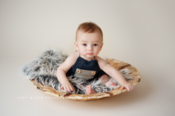 sitter 6 month old | Frederick Maryland baby photographer