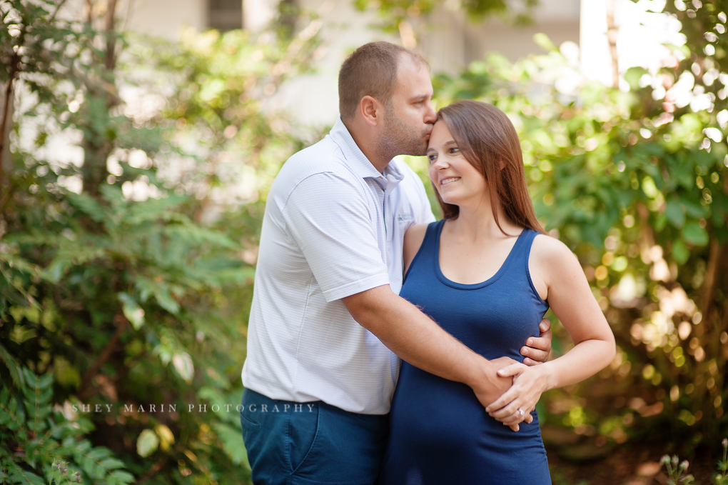 Travel maternity session | Washington DC family photographer