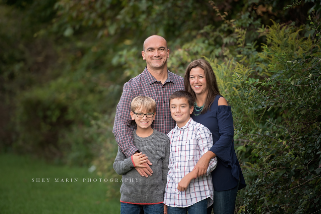 Frederick Maryland children and family photographed in meadow