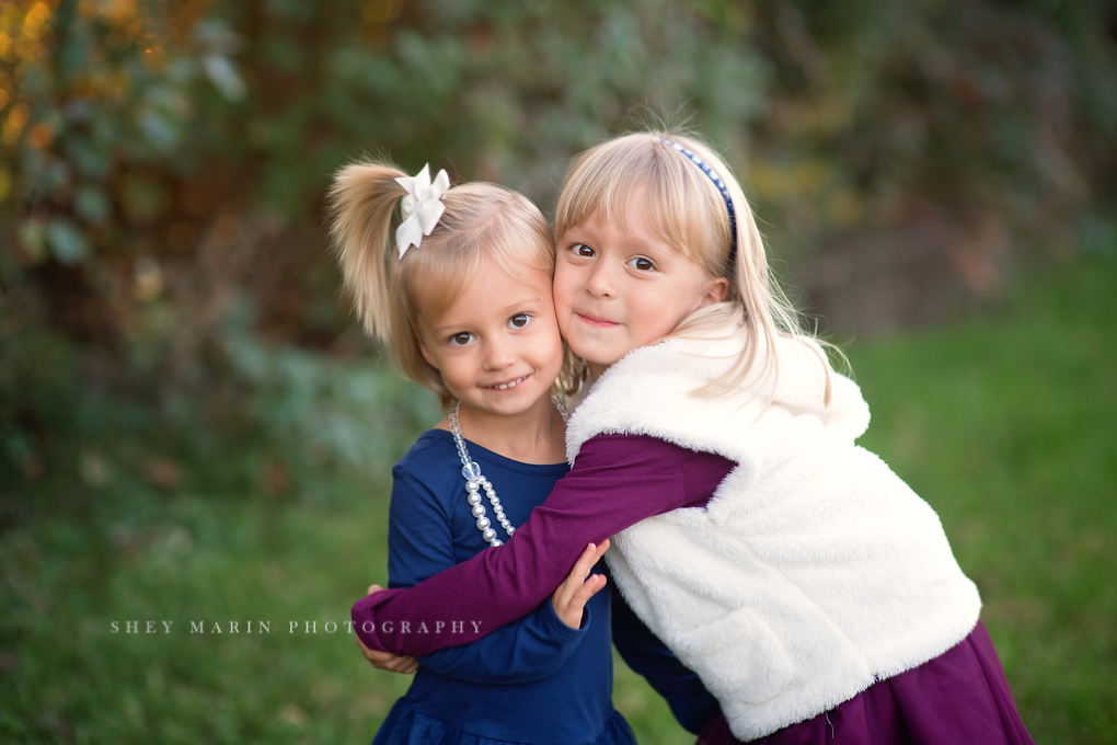 Frederick Maryland local photographer with sisters
